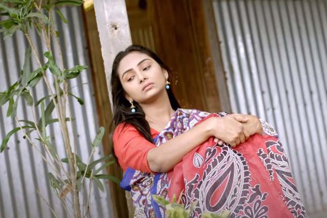 মনের অজান্তেই চোখের জল গরিয়ে যায় - Bangla Sad Love story